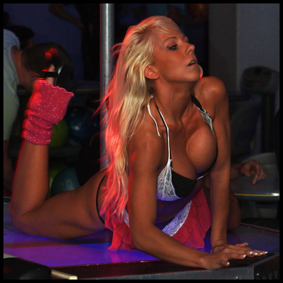 Stripperin Julia aus Berlin